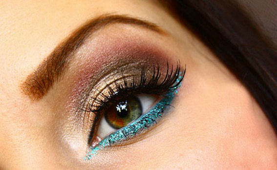 coloured lower eye liner